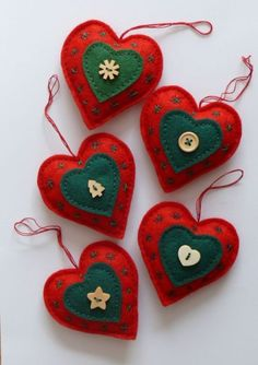New sewing christmas ornaments tree decorations felt hearts Ideas Sewn Christmas Ornaments, Felt Christmas Decorations, Christmas Hearts, Fabric Ornaments, Christmas Sewing, Christmas Makes, Felt Ornaments, Tree Decorations, Angel Ornaments
