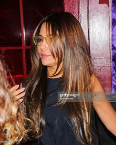 Actress Vanessa Marcil attends the Pop Network's new original series 'Queens Of Drama' Premiere at Hamburger Marys on April 2015 in West Hollywood, California. Layered Hairstyles, Down Hairstyles, Straight Hairstyles, Hollywood California, West Hollywood, Very Beautiful Woman, Beautiful People, Vanessa Marcil, Medium Layered Hair