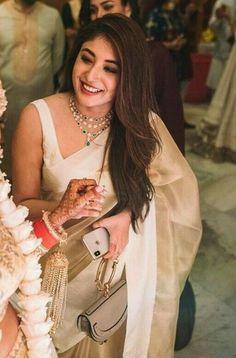 What B - Town Wore This Festive Season Get Clue Of Their Look - AwesomeLifestyleFashion Anushka Sharma & Virat Kohli Anushka. Indian Fashion Dresses, Dress Indian Style, Indian Designer Outfits, Indian Wedding Outfits, Indian Outfits, Indian Attire, Pakistani Outfits, Looks Party, Sari Dress