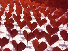 Escaparate, visual merchandising, papiroflexia, love, san valentín, diseño, corazones