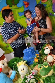 Lindo aniversário com o vestido de festa infantil para bebê. http://www.eroupasdebebe.com/vestido-galinha-pintadinha