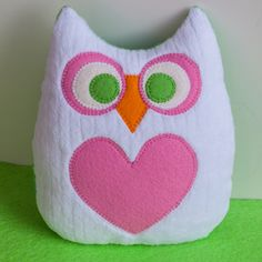 Little Owl Lovey, The Latest from Lauri Owl Sewing, Sewing Toys, Sewing For Kids, Sewing Crafts, Sewing Projects, Bird Barn, Owl Pet, Owl Crafts, Little Owl