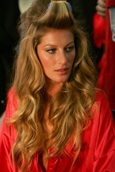 Gisele Bundchen Photo - The Victoria??s Secret Fashion Show - Backstage