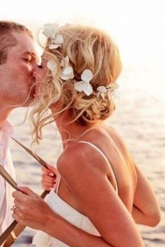 Best Beach Wedding Hairstyles: Tips and Ideas. Hair Up Or Down For Wedding Day Vow Renewal Beach, Dream Wedding, Wedding Day, Wedding Flowers, Wedding Venues, Wedding Themes, Trendy Wedding, Simple Beach Wedding, Hair Flowers