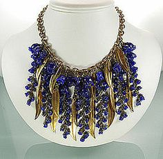 Unsigned Miriam Haskell Necklace: Blue Glass Flowers
