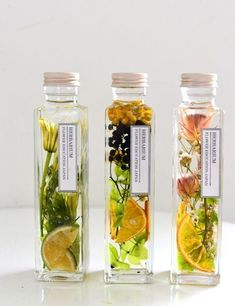 Homemade Body Care, Cosmetic Packaging, Paint Colors For Home, Bottle Design, Dried Flowers, Glass Bottles, Packaging Design, Herbalism, Diy And Crafts