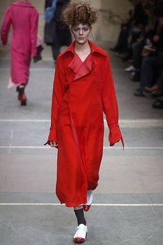 Yohji Yamamoto - Fall 2005 Ready-to-Wear