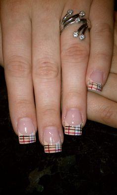 Nail Art  Burberry
