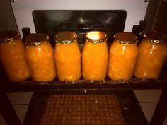 BUTTERNUT SLAAI Beulagh Lombard 3 kg butternut (blokkies) effe gekook nie pap nie. Voeg volgende by: suiker asyn. South African Dishes, South African Recipes, Ethnic Recipes, Home Canning Recipes, Cooking Recipes, Canes Food, Beef Wellington, Recipe Today, Diy Food