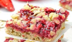 Strawberry Cream Bars- they are deliciously rich brown sugar crust and crumb topping, sweet creamy filling topped with a lovely strawberry layer. Strawberry Bars, Strawberries And Cream, Strawberry Recipes, Raspberry Crumble, Raspberry Bars, Strawberry Oatmeal, Raspberries, Just Desserts, Delicious Desserts