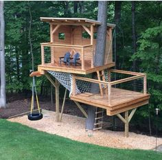Playhouse with hammock net Tree house with hammock net Two level tree house Two . Playhouse with hammock net Tree house with hammock net Two level tree house Two level playhouse Backyard Playground, Backyard For Kids, Backyard Projects, Project Projects, Nice Backyard, Fenced In Backyard Ideas, Backyard Fort, Backyard House, Backyard Playhouse