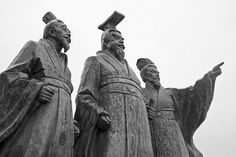 Image from http://tourismaesthetics.com/wp-content/uploads/2013/05/Qin-Shi-Huang-and-His-Men.jpg.