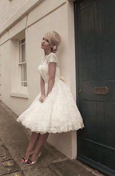 Romantisk 50-tals klänning i spets - Gudomligt vacker