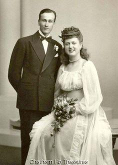 Wedding Photo Attendants 1940s