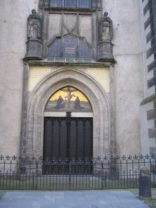 Church Doors of All Saints Castle Church in Wittenberg Germany where Martin Lurther nailed his 95 anti-Papal theses Reformation Day, Protestant Reformation, Martin Luther Reformation, Continents And Oceans, Lutheran, Kirchen, All Saints, Change The World, Places To See