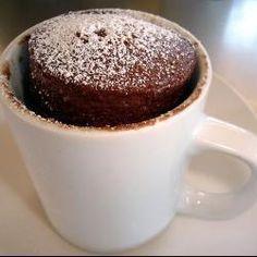 Budín de chocolate en taza al microondas @ allrecipes.com.ar