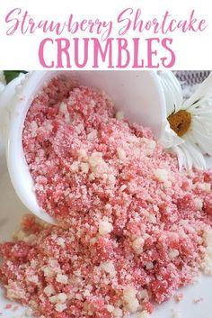 Strawberry Crumble Recipe, Strawberry Crunch Cake, Strawberry Shortcake Recipes, Strawberry Desserts, Strawberry Pudding, Strawberry Cupcakes, Strawberry Ice Cream, Cupcake Recipes, Baking Recipes