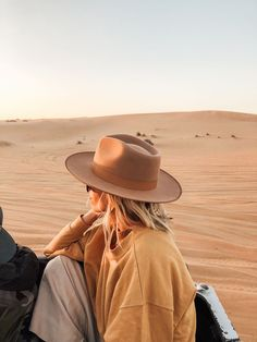 outfit inspiration Looking for a new way to style your favorite pieces? Read on for the best in outfit inspiration and ideas for every occasion from work to special events. Mode Style, Style Me, Voyage Dubai, Easy Style, Estilo Glamour, Dubai Travel, Dubai Trip, Travel Europe, Greece Travel