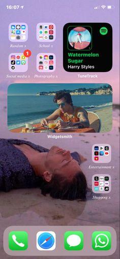Ios, Phone Organization, Organization Ideas, One Direction Art, Iphone Life Hacks, Iphone Layout, Summer Wallpaper, Homescreen, Instagram Feed