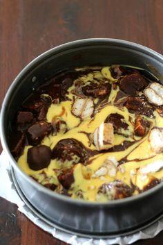 Het leuke idee om brownies te combineren met bokkepootjes vond ik op de blog van Marieke: Schepje Suiker. Maar ik dacht wat zijn bokkepootjes zonder advocaat. Ja, niks toch? Dus vond dat de advocaat niet kon ontbreken in mijn recept....