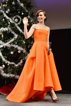 Lily Collins in a Maticevski dress, Christian Louboutin pumps, and Vita Fede jewels. Love Rosie Movie, Celebrity Dresses, Celebrity Style, Celebrity Photos, Lily Collins Style, Lily Collins Gown, Divas, Evening Dresses For Weddings, Evening Gowns
