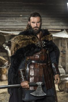 vikings-shieldmaiden:Rollo Vikings Season 3 ©Vikings Season 3 premieres Thursday, Feb 2015 on the History Channel. Vikings Tv Show, Vikings Tv Series, Rollo Vikings, Norse Vikings, Vikings Lagertha, Costume Viking, Celtic Costume, Viking Dress, Viking Series