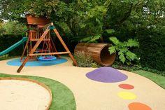 aire de jeux enfant - cabane en bois massif, balançoire et tunnel assortis