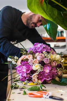 Ricky Paul concentrating on bouquet making...studio snaps!  #flowers #studio #London #floristry #florist #love #making #rickypaulflowers #wedding #weddingflowers