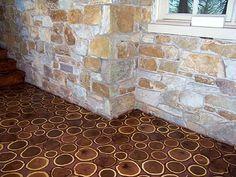 Diseño de suelo con rodajas de troncos.