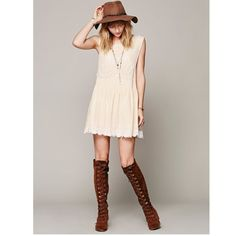 ✌🏻️🌼🎶Free people romantics cream lace dress! Free people new romantics always and forever cream lace dress tunic! Never worn! Retail: $128. Beautiful and easy to layer for fall! BUNDLE and SAVE! Free People Dresses Mini