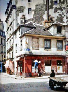Paris entre 1900 et 1920, en couleur autochrome. Rare color photo.