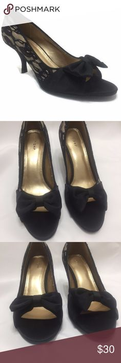 """Gold With Black Lace Satin Over Bow Open Toe Heels Fioni Size 6.5 Medium Black Open Toe Heels 6.5M Gold Fabric With Black Lace Overlay Open Toe With Solid Black Bow Detail 3"""" Heel These are New Without Box Fioni Shoes Heels"""