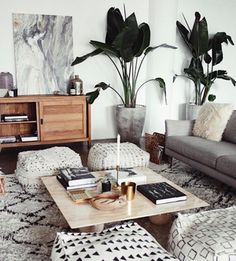 Wallpaper picks: my favorite palm leaf looks — The Decorista