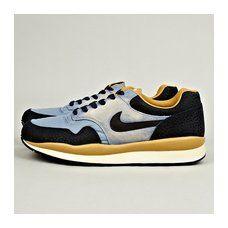 Vintage Nike Air Safari.