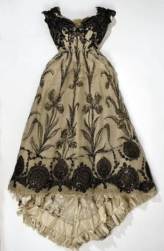 French silk dress, ca. 1899.  Just gorgeous!