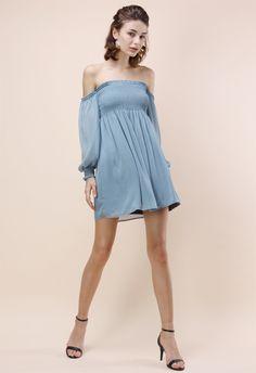 Blickfang mit entzückendem schulterfrei Kleid in staubigem Blau - Kleid - Retro, Indie and Unique Fashion