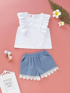 Toddler Girls Ruffle Trim Solid Top With Lace Panel Shorts – Kidenhome Frocks For Girls, Dresses Kids Girl, Kids Outfits, Baby Frocks Designs, Kids Frocks Design, Sewing Kids Clothes, Cute Baby Clothes, Baby Girl Dress Patterns, Baby Dress