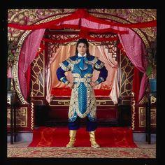 Hong Kong 1987 MJJmagazine - The Michael Jackson Magazine Mike Jackson, Jackson Family, Michael Jackson Fotos, Michael Jackson Photoshoot, Michael Jackson Bad Era, Bad Michael, Why I Love Him, King Of The World, King Of Music