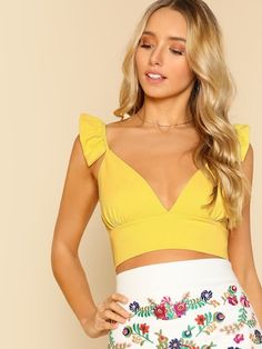 Shop Plunging Crop Top With Ruffle Strap online. SHEIN offers Plunging Crop Top With Ruffle Strap & more to fit your fashionable needs. Crop Top Elegante, Moda Fashion, Cropped Tank Top, Crop Tank, Cami Tops, Blouses For Women, Ideias Fashion, Marie, Fashion Outfits