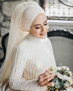 Muslim Wedding Gown, Hijabi Wedding, Muslimah Wedding Dress, Muslim Wedding Dresses, Disney Wedding Dresses, Muslim Brides, Wedding Dress Trends, White Wedding Dresses, Bridal Dresses