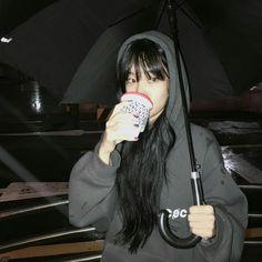 Alguna vez has imaginado , como seria si una chica (tal vez tu) formara parte de 방탄소년단 ; no se tu pero a mi me da curiosidad. Entra y descubre como seria si esto pasara. Pretty Korean Girls, Cute Korean Girl, Cute Asian Girls, Ulzzang Korean Girl, Ulzzang Couple, Korean Aesthetic, Aesthetic Girl, Pretty People, Beautiful People
