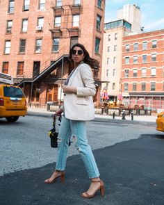 d54c46497b5 Traffic stopping sandals seen on Claudia di Capula  StuartWeitzman Out Of  Style