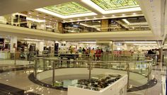 There is a world of fashion and beauty assembled at the Apollonia Politia shopping mall, with thousands of items in cosmetics, perfumes, clothing, acc. Shopping Malls, In Cosmetics, World Of Fashion, Therapy, Mansions, House Styles, Home Decor, Decoration Home, Manor Houses