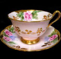 ** Šálek na čaj - růžový porcelán, malované růže ♣ Royal Albert **