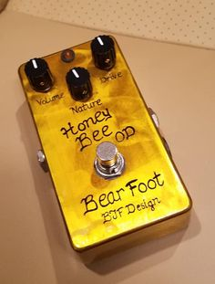 Bearfoot FX Honey Bee Overdrive Electric Guitar Effects Pedal