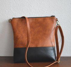 Shoulder bag / Crossbody purse / Two tone vegan leather door reabags