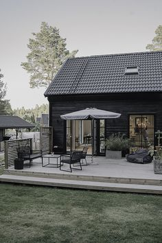 Barn Conversion Exterior, Outdoor Spaces, Outdoor Living, Modern Barn House, Grey Houses, Modern Farmhouse Exterior, Garden Buildings, Home Fashion, House Painting