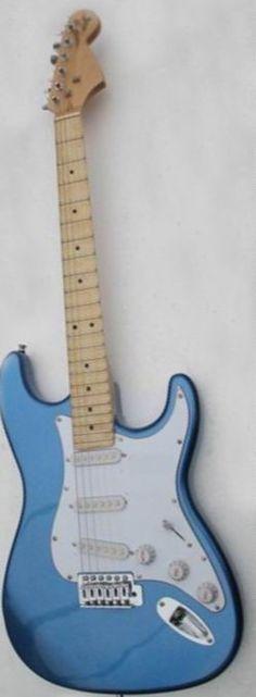 196.00$  Watch now - Cheap guitar Yngwie Malmsteen Scalloped maple fretboard Big Head ST 6 string electric guitarra in blue 140605  #aliexpressideas