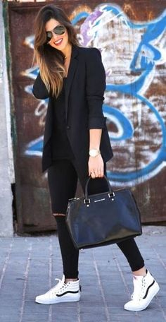 unboring-work-outfits-for-women-over, sneakers outfit, black blazer outfit unboring-work-outfits-for-women-over, sneakers outfit, black blazer outfit outfits women work 45 Unboring Work Outfits for Women Over 40 - fashion beauty Summer Work Outfits, Casual Work Outfits, Mode Outfits, Work Attire, Work Casual, Winter Outfits, Stylish Outfits, Blazer Outfits For Women, Black Blazer Outfit Casual