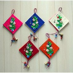 keçe nazarlık modelleri - Google'da Ara Pencil Toppers, Paper Ribbon, Prayer Flags, Lace Jewelry, Art N Craft, Wall Hanger, Diy And Crafts, Projects To Try, Christmas Ornaments
